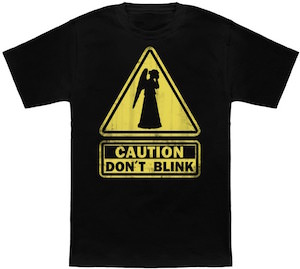 Weeping Angel Caution Don't Blink Sign T-Shirt